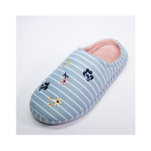 Best-Selling Eco-Friendly Women Plaid Check Flat Sandals Warm Indoor Casual Slipper