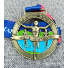 Medalla de latón antiguo recortada de alta calidad