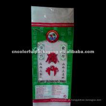 Lidar com saco de embalagem de alimentos PLÁSTICO