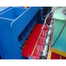Machine de formage de rouleaux de feuilles de toit en acier Dx 1100 en couleur