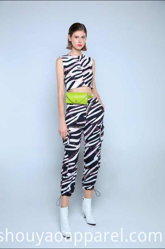 ZEBRA CROPPED JOGGERS