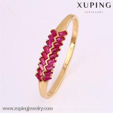 50811 Xuping nuevo diseño chapado en oro al por mayor brazaletes baratos