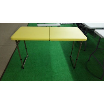 4FT Camping Furniture Picnic Table Foldig in Half Outdoor Table