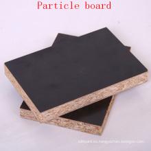 Tablero de partícula Melamined barato para uso en el interior