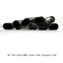 Achteckiges 30 x 30 mm Kohlefaserrohr mit Aluminiumklemmen