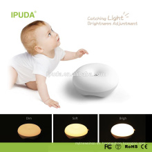 2017 nuevas invenciones luz de noche de acrílico de IPUDA con la batería recargable del control dimmable del tacto cero