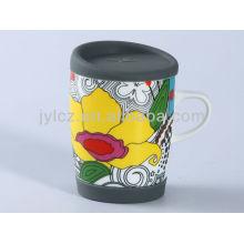 Keramische Kaffeetasse mit großem Griff