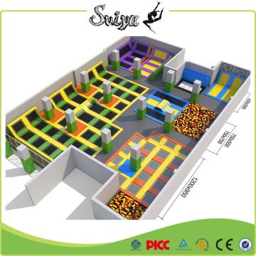 Популярный огромный крытый батут-парк, парк развлечений