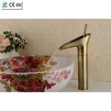 Robinet de lavabo bassin en cuivre antique plaqué or théière robinet (Q13808HQ)