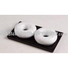 Circle shape ceramic salt & pepper container