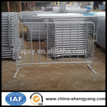 Galvanized steel pipe Pedestrian Barrier / Crowd Barrier / Temporary Fencing With Feet