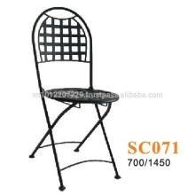 Meubles en métal - bistrot de chaises