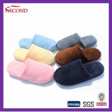 Pantoufles intérieures en polie de couleur pure
