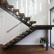 Escaleras de madera maciza mono rectas residenciales revestidas