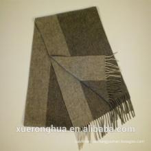 bufanda de lana de color gris de rayas para el invierno