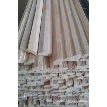Borde pegado a dedo Junta de pared de pino (losa) con imprimación blanca pintada