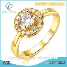 A venda quente alta polished o ouro barato chapeou anéis da forma com pedras