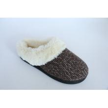 Women′s Warm Indoor Slipper with Long Plush Fur