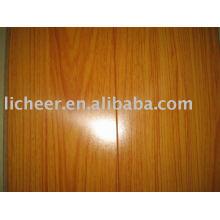 Зеркальная поверхность ламинированного покрытия 12,3 мм