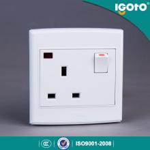 UK Standard 13A 250V Wall Switch Socket by China Manufacturer
