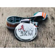 Médaille de course en métal argenté sur mesure 2020