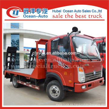Euro 4 camión ligero Sinotruk camión grúa