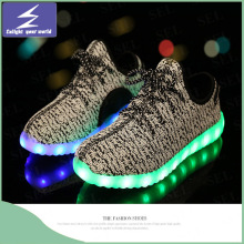Venta al por mayor LED Summer Light Yeezy zapatos con malla diseñado