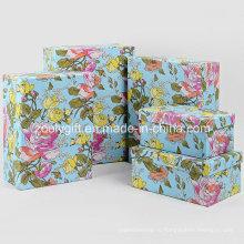 Упаковочные коробки для подарков
