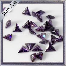 Preço baixo triângulo cortado zircônia cúbica Gemstone