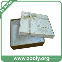 Подарочная коробка для подарочной бумаги из декоративного картона с лентой
