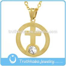 Gold überzogener Edelstahl-Ring-Anhänger innerhalb des großen Rhinestone-Kreuz-Anhänger-Schmucks