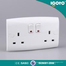 Zócalo del zócalo del interruptor 13A de Igoto EL13-N doble