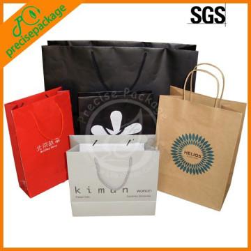 Nouveau sac de papier de conception adapté aux besoins du client pour l'emballage de cadeau