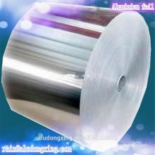 Uso de Alimentos y Rollo de papel de aluminio tipo utilizado para restaurantes y hogares