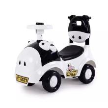 Carro do brinquedo do bebê, carro do balanço do bebê, carro da torção