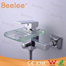 Grifo de bañera de vidrio con cascada para montaje en pared con cabezal de ducha Qh0818W