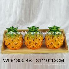Дешевая керамическая приправа в форме ананаса с деревянным дном