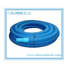 Синий шланг для очистки плавательного бассейна в EVA