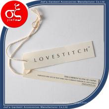 Étiquette de papier de grille de mode / conceptions d'étiquette volante avec la corde de coton