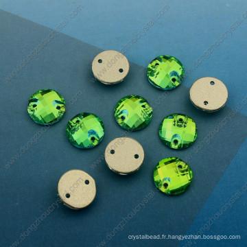 Rond vert coudre sur des perles de pierres