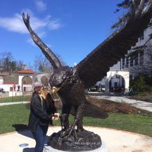 Estátua de águia de bronze de tamanho grande