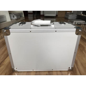 White Aluminium Equipment Case Export nach Europa