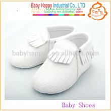 Zapatos de bebé lindos lindos del cequi de los zapatos de los moccasins del bebé