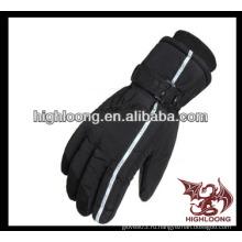 Человек черный теплый и дешевый лыжи перчатки