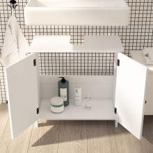 Шкафы для хранения в ванной в стиле кантри