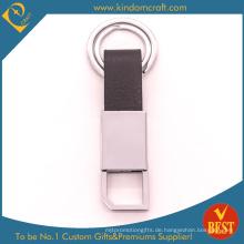 China Kundengebundene Qualitäts-echtes Leder-Schlüsselkette am Fabrik-Preis für Geschenk