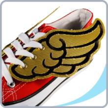 Модные украшения для обуви