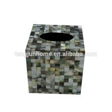 Schwarze Schale voller Seiten quadratischer Gewebekastenhalter Seashellgewebekastenhalter
