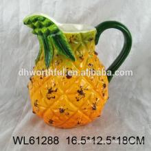 Jarra de agua de cerámica de diseño creativo en forma de piña para la venta al por mayor