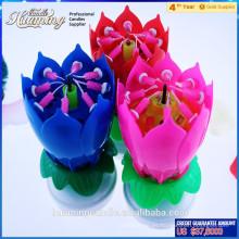 Las velas del cumpleaños del vendedor superior en velas musicales de la capa doble en la forma de la flor para la venta